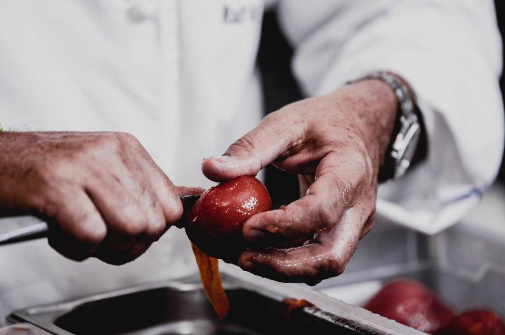 Zubereitung von Tomaten im Poisson