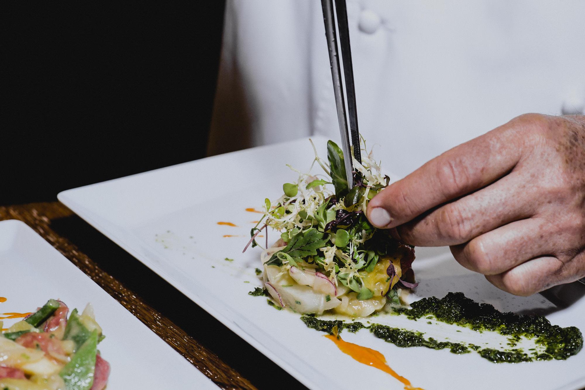 Grüne Fischspeise mit Salat